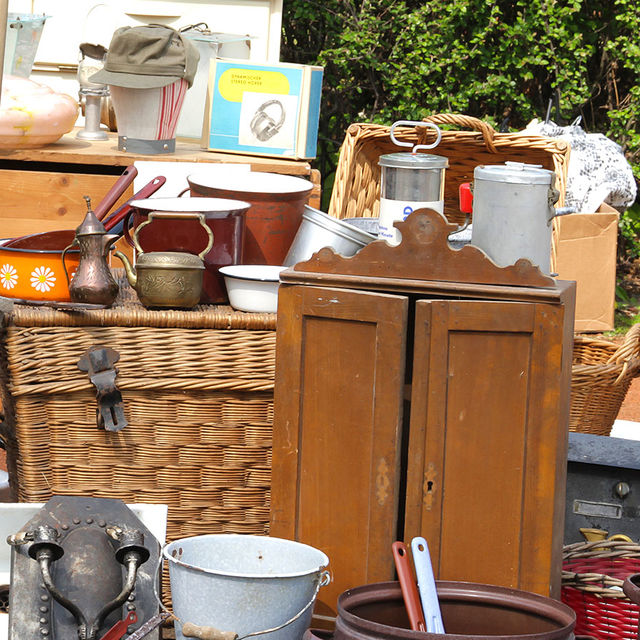Brocante à Courcelle.