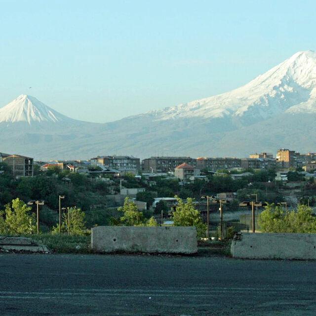 Exposition Vingt ans d'amitié franco-arménienne : de l'humanitaire à la solidarité internationale