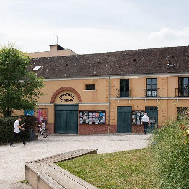 Le Central cinéma, place de la mairie à Gif-sur-Yvette (vallée).