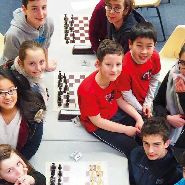 Jeunes Giffois du club Chevry 2 échecs