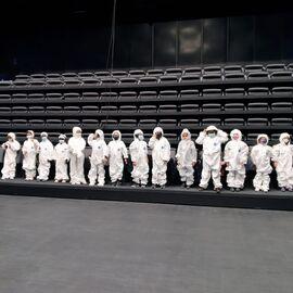 Enfants habillés en cosmonautes
