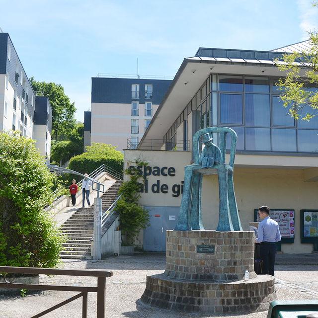 Espace du Val de Gif.
