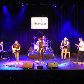 Le groupe ConnivAnce sur scène à la Terrasse