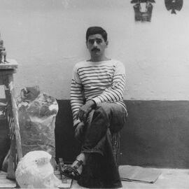 Portrait photo de Philolaos à l'atelier