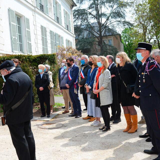 Philippe Garsuault, Annick Le Roy, Yann Cauchetier, Michel Barret, Emilie Soulez, Katia Tarreau et Patrice Berton, élus à la commémoration du 8 mai 1945